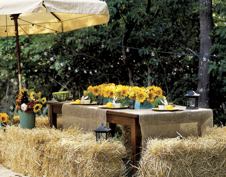 Money saving tips for creative summer center pieces for Bales of hay for decoration