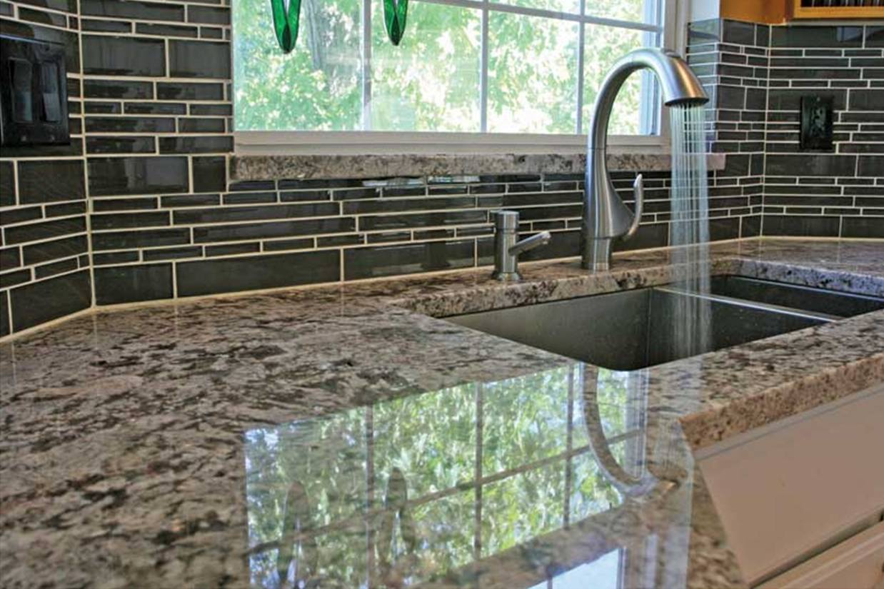 Important kitchen interior design components part 3 to for Back splash tile
