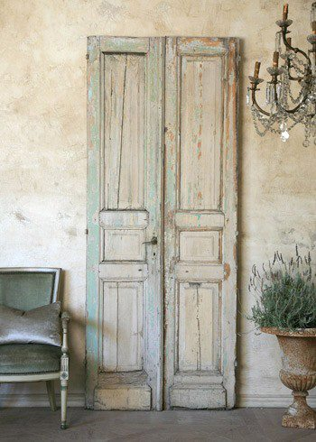 Style elements every home needs for an updated interior starting with rustic d cor devine - Porte shabby chic ...