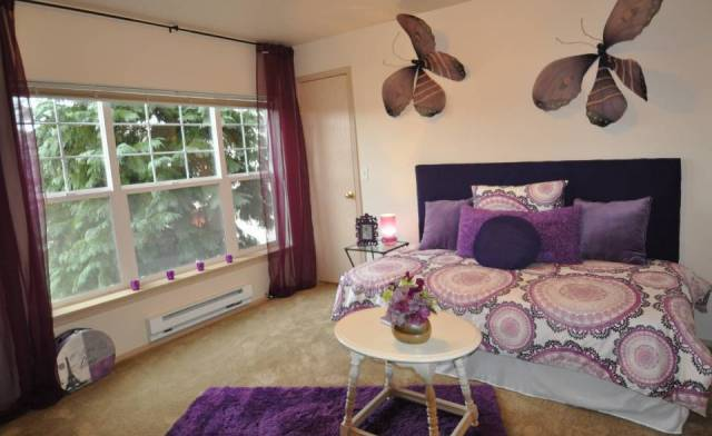 Create a fresh fun and funky teen room or den on a dime for Apartment design on a dime