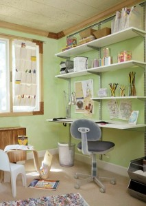 Using the wall space for a home office