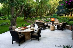 Decorating outdoor rooms